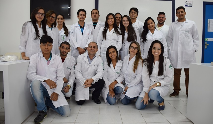 Turma que participou do curso Interpretação do Hemograma.